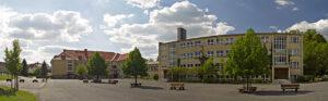 Schulhof der Regel- und Grundschule